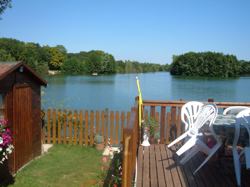 camping-pres-fontaine-provins-0