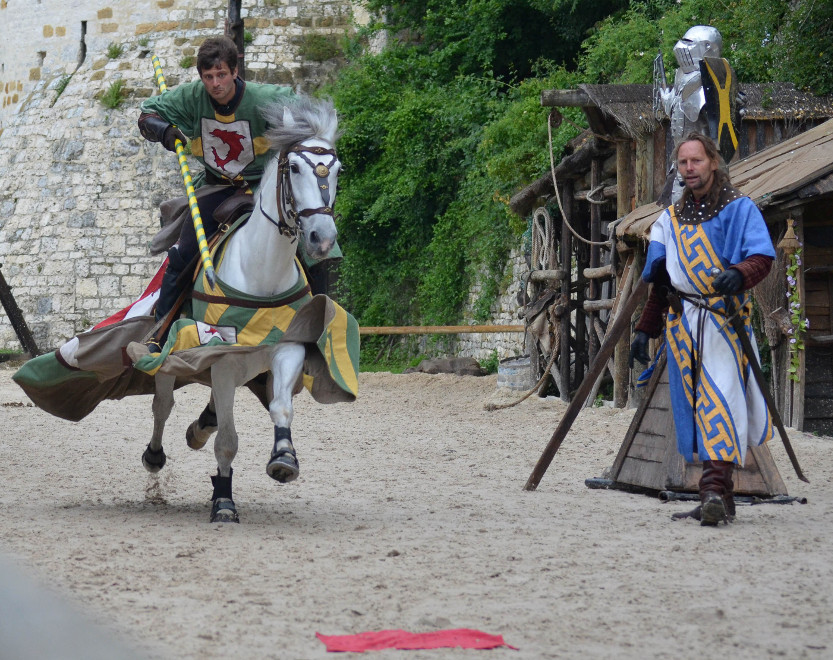 Epées et Donjon, spectacle historique de Provins