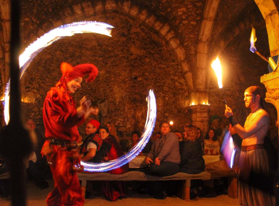Banquet des Troubadours, banquet médiéval à Provins