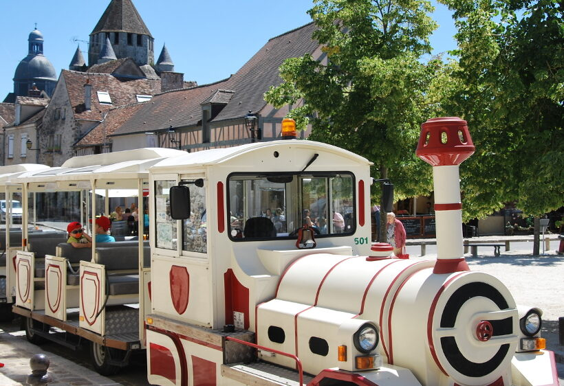 The tourist train of Provins