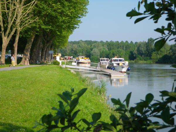 Bray-sur-Seine river stop, close to Provins