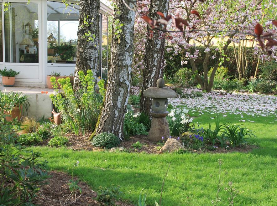 The Valérie's Garden, in the village of Saint-Denis-lès-Rebais close to Provins
