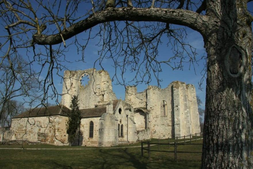 Ancienne abbaye de Preuilly, à Egligny, proche de Provins
