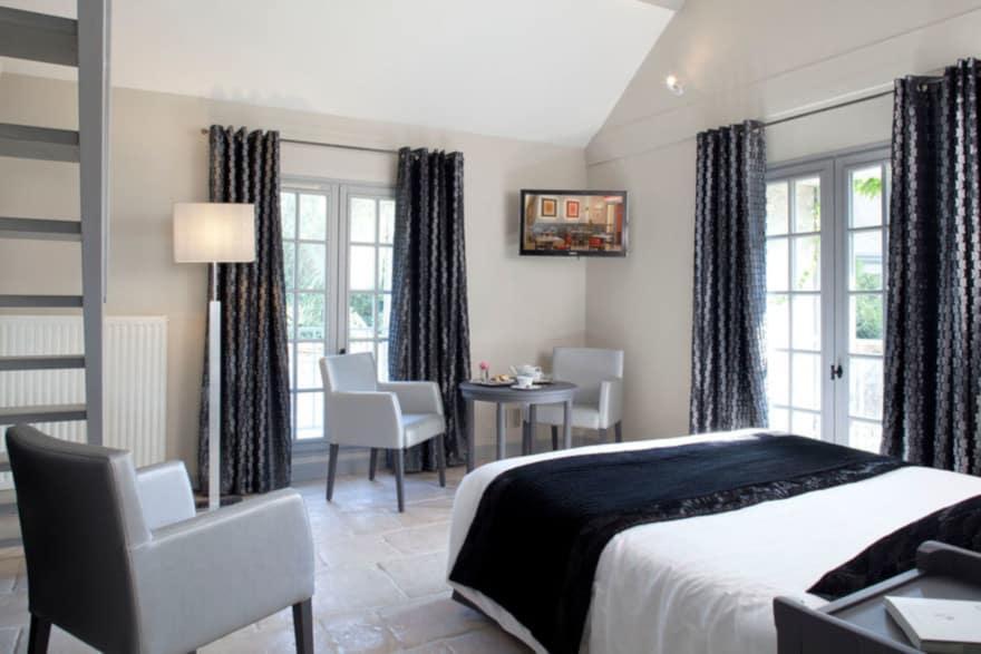 https://www.provins.net/wp-content/uploads/2020/10/aux-vieux-remparts-hotel-provins.jpg