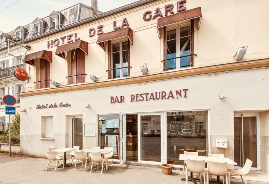 https://www.provins.net/wp-content/uploads/2020/11/hotel-restaurant-gare-nangis-provins-1.jpg