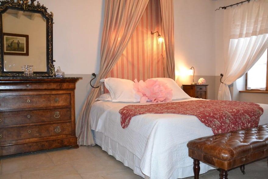 https://www.provins.net/wp-content/uploads/2021/01/charme-aux-fees-chambres-hotes-rigny-la-nonneuse-provins.jpg