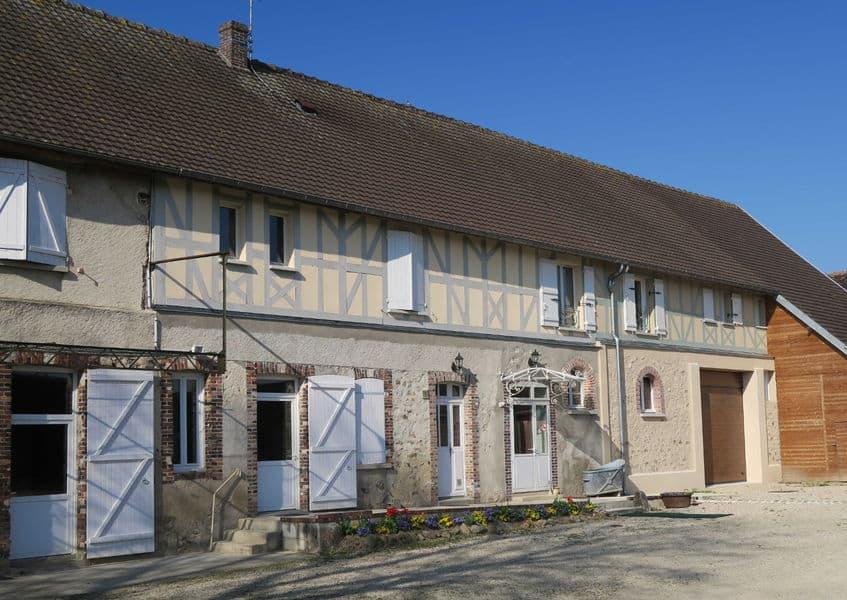 https://www.provins.net/wp-content/uploads/2021/01/ferme-saint-laurent-chambres-hotes-nogent-sur-seine-provins.jpg