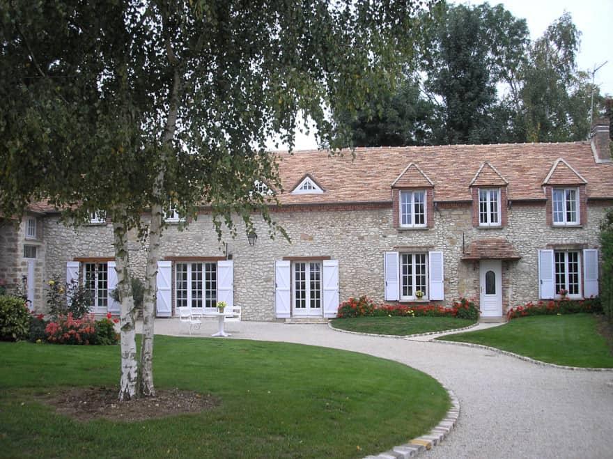 https://www.provins.net/wp-content/uploads/2021/03/clos-montois-chambres-hotes-lizines-provins-1.jpg