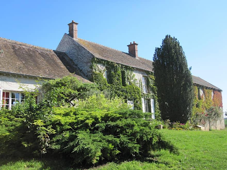 https://www.provins.net/wp-content/uploads/2021/03/la-pepiniere-chambre-hote-gite-chatenay-sur-seine-provins.jpg
