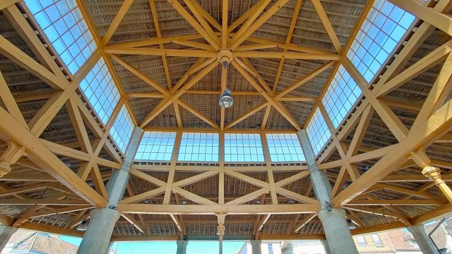 Halle de Bray-sur-Seine, dans le Bassée-Montois, région de Provins